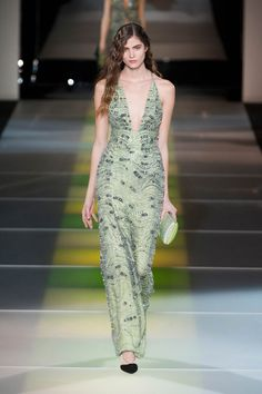 Pin for Later: Get Your Dress Fix With 100 of the Prettiest Autumn Looks Giorgio Armani Fall 2014