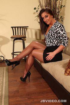 High Heel Models, Tan Pantyhose, Great Legs, Sexy Legs, Cool Girl, Sexy Women, Stockings, Heels, Beauty