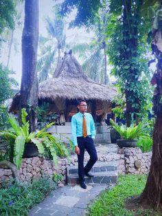 Gaya formal menyatu di alam tropis