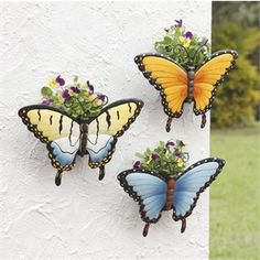 Decor outdoor wall plants 15 Ideas for 2019 Outdoor Wall Art, Outdoor Walls, Outdoor Planters, Outdoor Gardens, Flying Flowers, Butterfly Decorations, Plant Wall, Metal Wall Decor, Porch Decorating