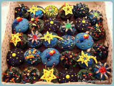 Firework Cupcakes great for New Years Bonfire Night Cake, Bonfire Food, Guy Fawkes Night, Fireworks Cake, Cupcakes For Boys, Space Cupcakes, New Year's Cake, Garden Birthday, Cupcake Heaven