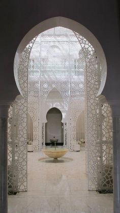 Courtyard of the Royal Mansour Hotel(Marrakech):