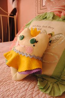 Holiday Snob: Tooth fairy pillow
