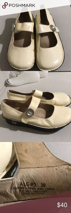 Alegria Women's ALG-P3 Cream Mules Clogs EUC Excellent preowned condition Alegria Shoes Mules & Clogs
