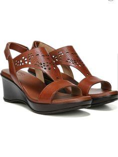 040db5e9c Natural Soul Naturalizer Womens Size M Sandals Tan Cutout Leather Thong
