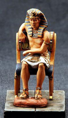 Фараон на троне  ММС