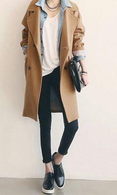 Camel coat, chambray shirt, white shirt, and black jeans. So stylish.