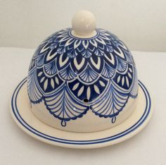 If you are looking for a cheap and creative way to add color and life into your interior, then look no further than ceramic plates. Rather than turning to expensive art pieces and portraits, you ca… Blue Pottery, Pottery Plates, Ceramic Plates, Ceramic Pottery, Pottery Art, Hand Painted Ceramics, Porcelain Ceramics, China Porcelain, Pottery Painting