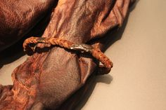 2300 yr old mummified Bog body of Old Croghan Man, with leather and Celtic metal binding.National Museum of Ireland. Ancient Mysteries, Ancient Artifacts, Bog Body, Viking Culture, History Images, Mysterious Places, Irish Eyes, Ancient History, Archaeology