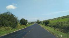 Lucrări de asfaltare au loc pe un sector al drumului județean 105