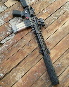 Shorty.  #gunsdaily #weaponsdaily #sickguns #merica #machinegun #patriot #AR15…