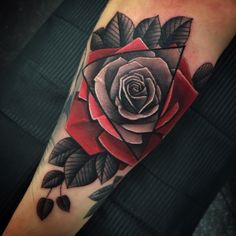 Rose tattoo designs for men and women with their meanings Men Flower Tattoo, Rose Tattoos For Men, Beautiful Flower Tattoos, Arm Tattoos For Guys, Trendy Tattoos, Tattoos For Women, Tattoo Flowers, Tattoos Arm Mann, Forearm Tattoos