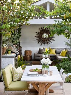 The perfect outdoor dining space can be created anywhere, even on a small apartment patio. These inspiring outdoor space ideas will have your dining area ready to dine alfresco all summer long. Outdoor Areas, Outdoor Rooms, Outdoor Furniture Sets, Outdoor Play, Small Outdoor Patios, Outdoor Showers, Outdoor Retreat, Outdoor Kitchens, Small Patio