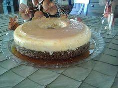 ΜΑΓΕΙΡΙΚΗ ΚΑΙ ΣΥΝΤΑΓΕΣ 2: Καρυδόπιτα με κρέμα καραμελέ !!! Greek Sweets, Greek Desserts, Greek Recipes, Tiramisu, Food To Make, Caramel, Cheesecake, Deserts, Food And Drink