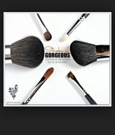 Get your complete brush set... And be make up ready!