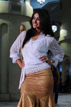 Bollywood Photos, Indian Bollywood Actress, South Indian Actress, Hollywood Actresses, Indian Actresses, Ileana D'cruz Hot, Cute Beauty, Indian Celebrities, Actress Photos