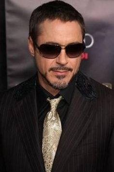 Robert Downey Jr. Shaved Short Hairstyle