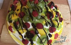Ovocný dort s tvarohem Red Velvet, Pudding, Black And White, Desserts, Cakes, Candy, Tailgate Desserts, Deserts, Black N White