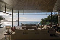 IDYLLIC OCEAN VIEW HOME BY BRAZIL'S BERNARDES ARQUITETURA
