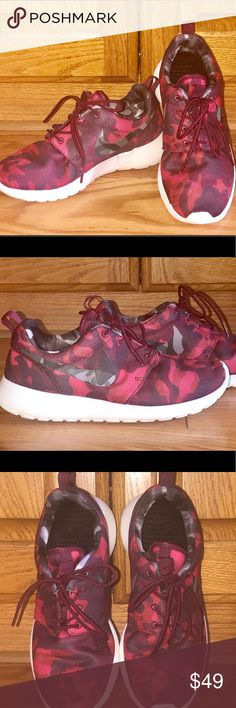a72eda49857 WOMENS NIKE ROSHE SHOES IN RED CAMO In good condition. Red Camo on the  outside