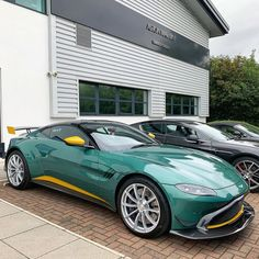 Throughout the early stages of the Jaguar XK-E, the lorry was supposedly planned to be marketed as a grand tourer. Aston Martin Lagonda, Aston Martin Cars, Aston Martin Vantage, New Sports Cars, Sport Cars, Pretty Cars, Jaguar Xk, Fancy Cars, Ford Gt