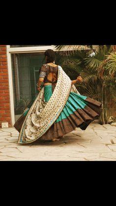 Chaniya Choli Designer, Garba Chaniya Choli, Garba Dress, Navratri Dress, Choli Blouse Design, Choli Designs, Lehenga Designs, Lehenga Choli Online, Lehenga Blouse
