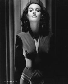 Ann Harding Anne Shirley Constance Bennett Claudette Colbert Carol Lynley filming Danger Route (1967) Eleanor Pa...