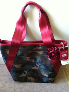 Harveys Seatbelt Bags ~ Armed with Roses Med Boat Tote