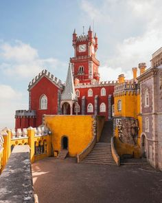 Sintra is a picturesque town that boasts extravagant palaces ancient castles like Sintra Castle and other stunning scenery.   Find out what to visit when in #sintraportugal by clicking on the link in BIO  Let us know if youd like to plan a holiday there and if you want to write more articles like this one!   #sintra #sintralovers #sintraportugal #sintraphoto #photoinspo #portugaltravel #portugalovers #wowplacestogo #lisbon Jorge Mendes, Beautiful Places To Visit, Cool Places To Visit, Wonderful Places, Pena Palace, Eclipse Solar, Living In Europe, Europe Europe, Travel Europe