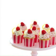 Lemon Raspberry Cupcakes #Lemon #Raspberry #Cupcakes