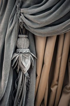 Versailles Allover tenda - Chicca Orlando - Italian Craftmanship - Luxury texile furnitures for you home Velvet Curtains Bedroom, Velvet Drapes, Luxury Curtains, Curtain Hangers, Curtain Tie Backs, Curtain Rods, Bedroom Window Dressing, Home Theater Curtains, Classic Curtains