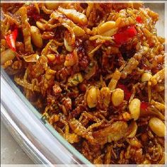Kering Tempe, Fried Tempe mixed with peanut. My favourite Indonesian food Easy Healthy Recipes, Asian Recipes, Easy Meals, Ethnic Recipes, Sambal Recipe, Mie Goreng, Malay Food, Indonesian Food, Indonesian Recipes
