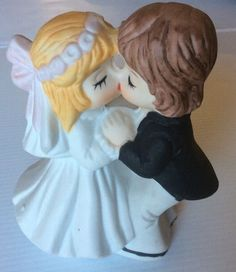 Bride And Groom Cake Topper Statue Figurine Vintage Collectable Like New statue