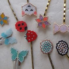 Série de barrettes tissées en perles miyuki à retrouver sur mes shop (lien dans ma bio). D'autres modèles peuvent être faits sur demande, les couleurs peuvent être personnalisées. #miyukiaddict #jenfiledesperlesetjassume #accessoiresdecoiffure #coiffure #onore