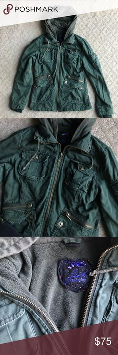 Olive Green Utility Jacket Fleece lined, and SO WARM! This was my favorite jacket for so long, it's so cute and comfortable. Also the same jacket Bella wears in twilight if you're interested in that! Jack by BB Dakota Jackets & Coats Utility Jackets