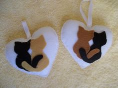 cats on heart ornament