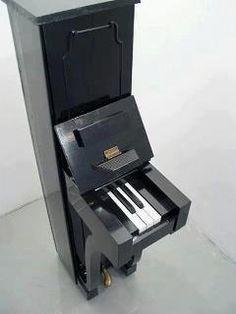 Mini piano.., for John Cage, perhaps?