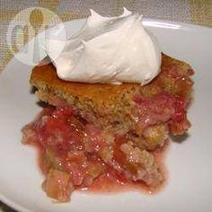 Gâteau aux fraises, à la rhubarbe et à l'orange @ qc.allrecipes.ca