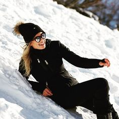 High contrast #luxurysportswear #fashionsport #sportswear #luxurybrand #luxurywear #luxury #fashion #fashionclothes #highendfashion #highendclothing #fashionstyle #skifashion #ski #skiclothes #skipants #winter #wintersport #wintersports #snow #apresski #blackandwhite #black