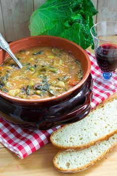 A l ¡ n a Ribollita toscana I Love Food, Good Food, Yummy Food, Italian Dishes, Italian Recipes, Soup Recipes, Vegan Recipes, Tuscan Bean Soup, My Favorite Food
