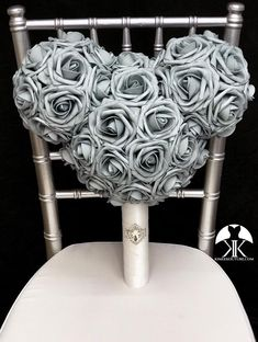 MICKEY BRIDAL Bouquet with RHINESTONE BROOCH Handle. Minnie Bridal Bouquet. Mickey Wedding. Mickey Bouquet. Pick Rose Color. Made of premium Real Touch soft foam roses. These premium roses have a crisp fresh cut flower look that hold shape and color over time. You will be amazed at how real and Cheap Beach Decor, Cheap Bedroom Decor, Cheap Home Decor, Entryway Decor, Home Decor Accessories, Decorative Accessories, Bling Wedding, Mauve Wedding, Luxury Wedding