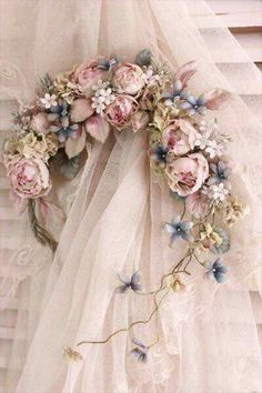 Blumenkrone – Alecia May Silk Flowers, Fabric Flowers, Paper Flowers, Deco Floral, Floral Design, Shabby Chic Kranz, Shabby Chic Wreath, Wedding Bouquets, Wedding Flowers