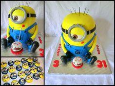 O sitio do bolo: Um Minion grande...para 50 pesssoas e que viajou a.../ Minion cake