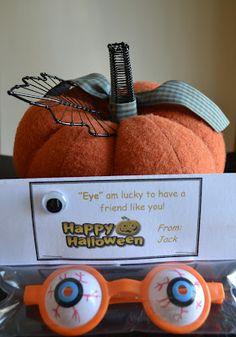East Coast Mommy: Halloween Treats {for Classmates}
