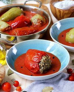 ASMR cooking stuffed peppers in tomato sauce Mai, Cooking Recipes, Chicken, Food, Zucchini, Easy Meals, Eten, Meals