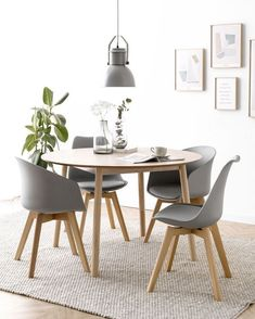 Dining Room 30 Inspiring Round Small Dining Room Decor Ideas Feel Cozy How to avoid foreclosure If y Dining Room Design, Dining Room Table, Dining Chairs, Small Dining Rooms, Round Dining Tables, Small Dining Table Apartment, Dining Set, Decoration Design, Living Room Decor