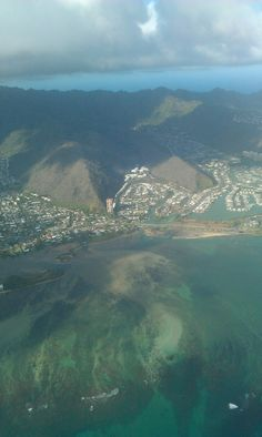 i believe this is an aerial of Kailua/Kaneohe if i'm not mistaken?.......... home for a whole month!