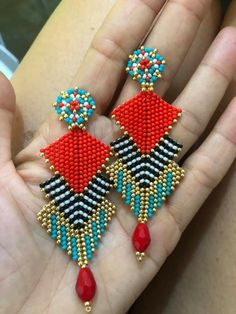 Beaded Brooch, Beaded Earrings, Earrings Handmade, Handmade Jewelry, Seed Bead Jewelry, Bead Jewellery, Loom Band Patterns, Brick Stitch Earrings, Bead Earrings