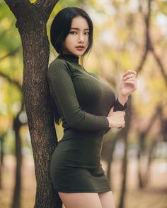 This Korean model's incredible proportions are blowing people's brains. Because of her unique voluptuous figure, Korean model .