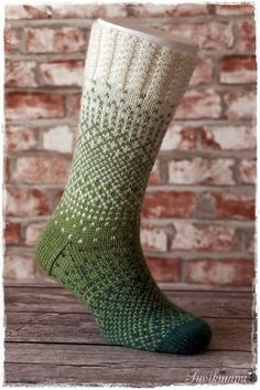 Knitted Slippers, Wool Socks, Knitting Socks, Hand Knitting, Knitting Patterns, Harry Potter Knit, Comfy Socks, Crochet Woman, Weaving Art